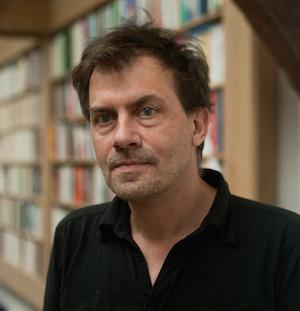 Dominique CARDON sociologue francais, auteur de Mediactivistes avec Fabien Granjon (Presses de Sce Po) et chercheur au laboratoire des usages de France Telecom. Il est egalement membre associe au Centre d'etudes des mouvements sociaux de l'Ecole des hautes etudes en sciences sociales (EHESS).
